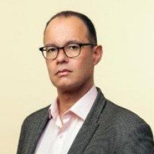 Antonio Acuña MBE