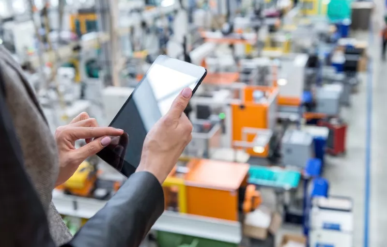 - yoh4nn - Why collaboration and discussion is needed to take the next steps for IoT in logistics